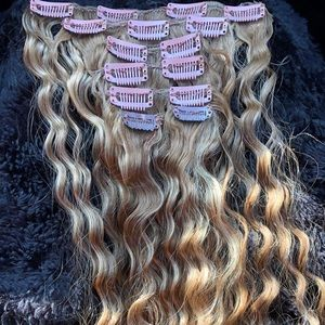22 High quality human hair 7 piece clip on Blonde